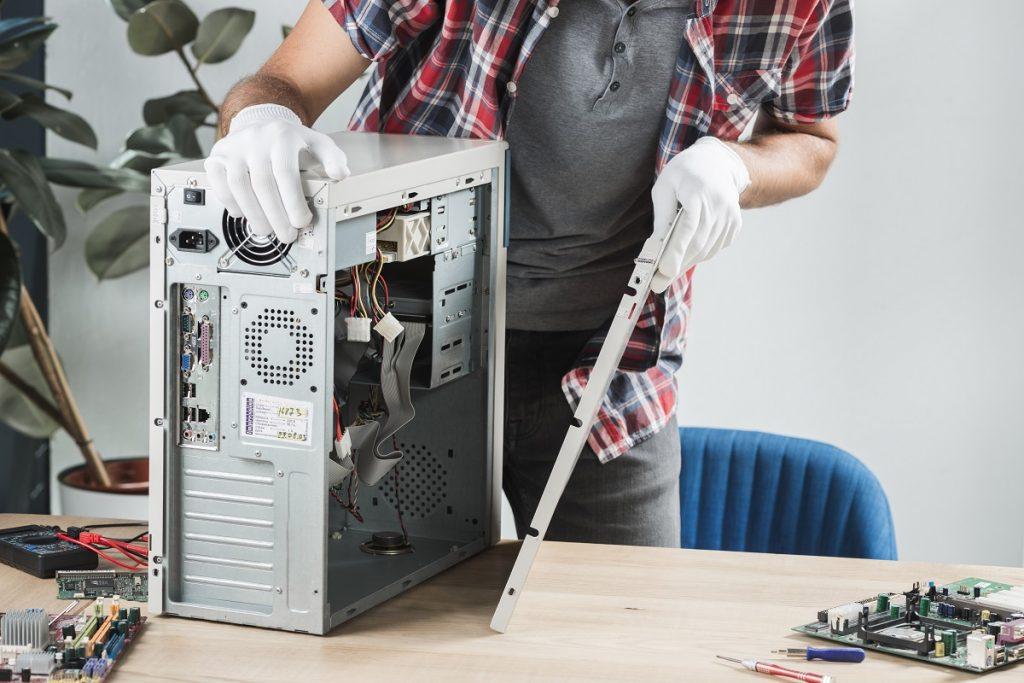 Riparazione computer: Conviene ripararlo o acquistarne uno nuovo?