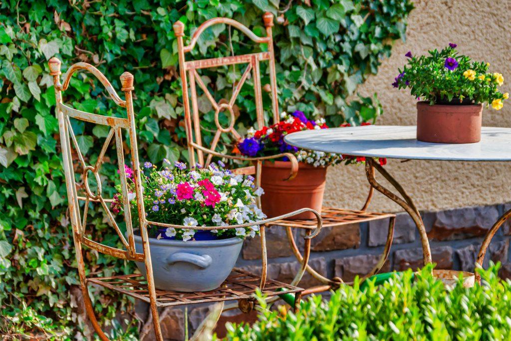 Come scegliere una sedia da giardino